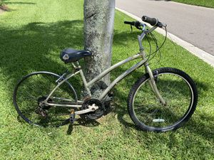 HHuffy 26 inch bicycle needs some TLC and a tire on the rear rim for Sale in Palm Harbor, FL