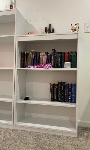 Three tiered wooden white bookcase for Sale in Vestavia Hills, AL