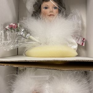 VINTAGE BRIDE PORCELAIN DOLL With CERTIFICATE OF AUTHENTICITY for Sale in Phoenix, AZ