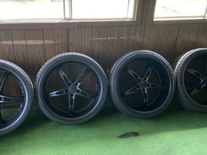 "22"" with 90% tread 5x120 staggered for Sale in Akron, OH"