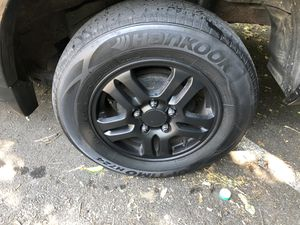 Honda crv black coated rims and tired for Sale in West Hartford, CT