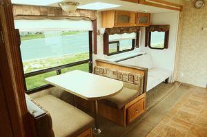 ✅2008 Forest River Cherokee 31' ft Sleeps 8 1 bedroom Fridge and showe for Sale in Mesa, AZ