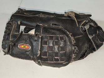"Easton Black 12.5"" Glove Baseball Softball for Sale in San Diego,  CA"
