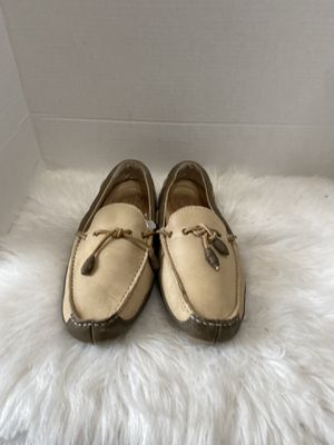 UGG Australia Beige Leather Driving Tassel Moccasins Loafers Men's Size 9.5US for Sale in Dearborn, MI