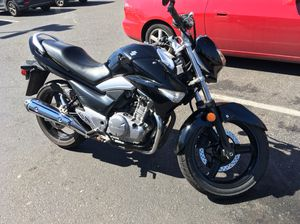 2013 Suzuki cruiser bike, just serviced, very nice looking for Sale in Vancouver, WA