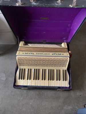 Accordian for Sale in Boring, OR
