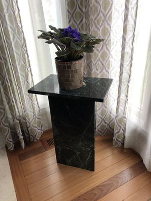 """Huge 14"""" African violet in """"lucky money pot"""" and marble plant stand 12""""x18""""x 26"""" for Sale in Troy, MI"""