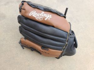 Rawlings Pl105bk Players Series Youth Boys Baseball Glove 10.5inch for Sale in Avondale, AZ