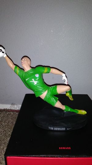 Nike. Soccer 2014 risk everything limited Howard figurine for Sale in Portland, OR