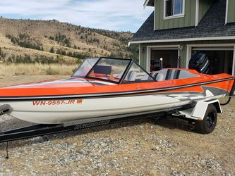 1983 Hydrodyne Ski Boat with Trailer for Sale in Bonney Lake,  WA