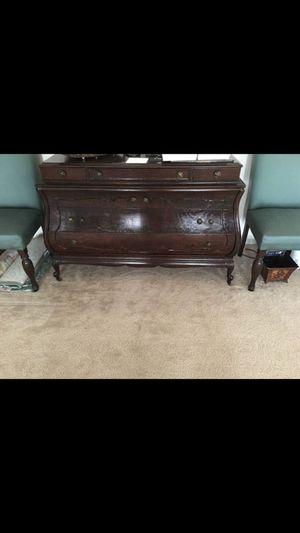 Antique dresser for Sale in Woodbridge, VA