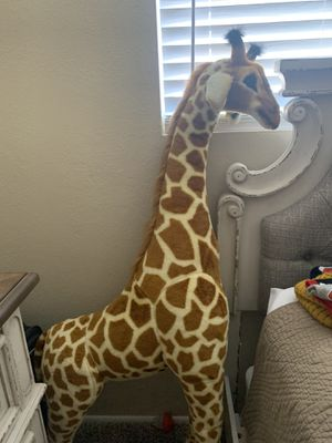 Stuffed animal giraffe for Sale in Tucson, AZ
