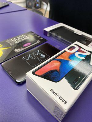 Samsung a20 bundle for Sale in Lakeland, FL