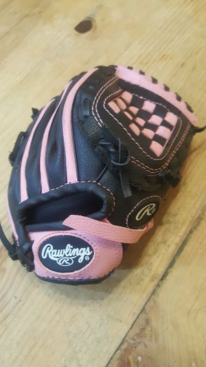 Girls baseball glove for Sale in Chandler, AZ