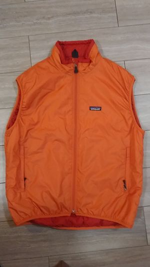 Patagonia men vest size L for Sale in Everett, WA