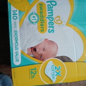 Pampers Swaddlers Newborn 140 Diapers for Sale in Brooklyn, NY