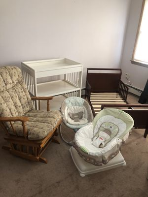 Baby rockers, changing table and toddler bed for Sale in Lincoln Park, NJ