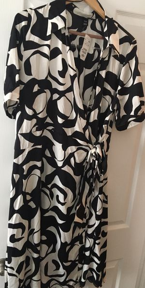 Brand New H&M Wrap Dress for Sale in Washington, DC