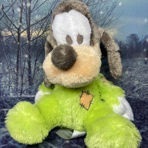 """Disney Parks Baby Goofy 9"""" Plush for Sale in Bellflower, CA"""