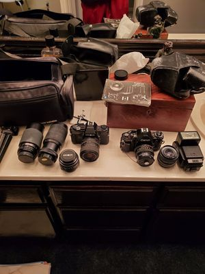 Vintage cameras. Canon & minolta for Sale in Oakley, CA