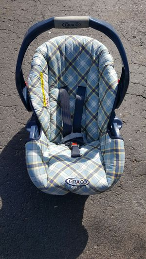 Graco baby car seat for Sale in Dearborn Heights, MI