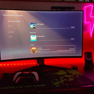 "MSI Full HD Gaming Red LED Non-Glare Super Narrow Bezel 1ms 1920 x 1080 165Hz Refresh Rate Free Sync 32"" Curved Gaming Monitor (Optix AG32C), Black for Sale in Fairfield, CA"