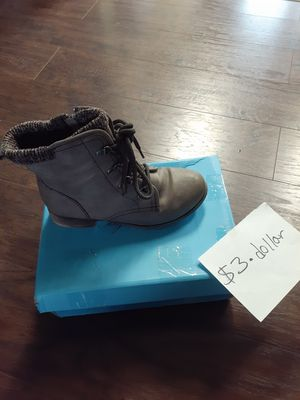 Shoes size 6 for Sale in Wenatchee, WA