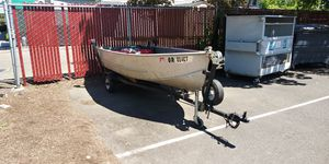 12 foot aluminum fishing boat for Sale in West Linn, OR