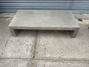 "Gray Metal Coffee Table (13""H 60""W 30""D) for Sale in Queens, NY"