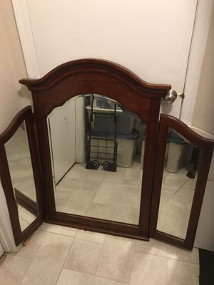 Antique mirror for Sale in Germantown, MD