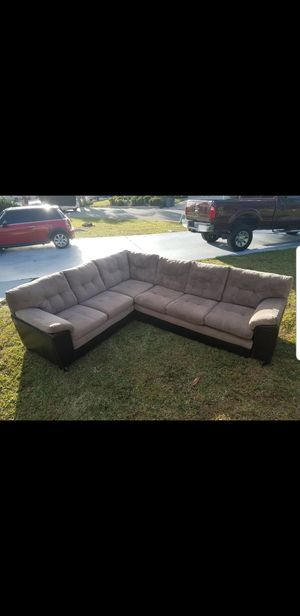 Sectional with pull out bed for Sale in Apollo Beach, FL