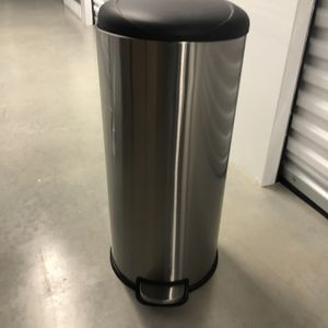 Trash Can - Kitchen, Foot Pedal, Soft Close, Stainless for Sale in Powder Springs, GA