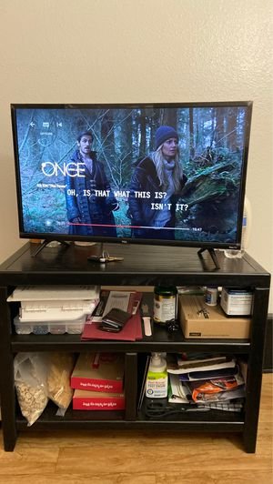 TCL Roku 29 inches TV with table for Sale in Tempe, AZ