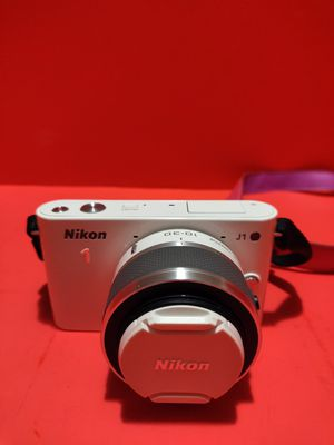 Nikon 1 J1 10.1MP Digital Camera - White (w/ 10-30mm Lens) And Pink Case for Sale in West Sacramento, CA