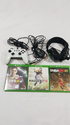 Turtle Beach X12 Earforce video game Headset headphone with lot of 3 xbox one video games and 1 controller for Sale in Winter Springs, FL