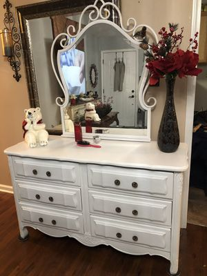 Solid dresser and mirror for Sale in Indianapolis, IN