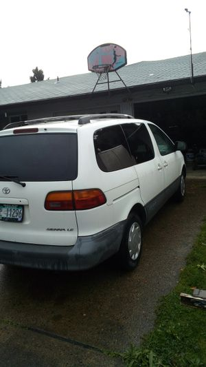 1999 Toyota sienna le for Sale in Newberg, OR