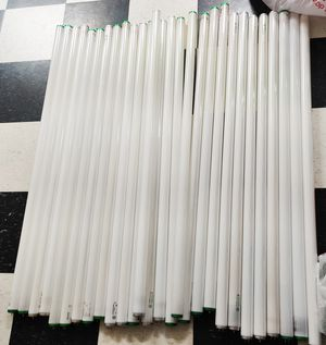 """Free T12 1.5"""" florescent tubes x 28 for Sale in Canton, MI"""