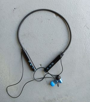 Earbuds with microphone for Sale in Fort Lauderdale, FL