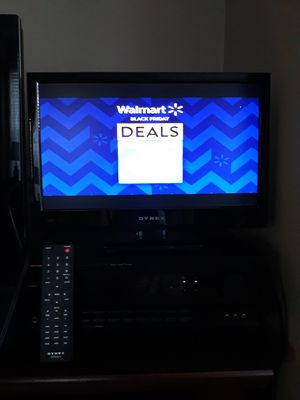 """Dynex 19"""" LED HDMI TV and remote for Sale in Murrieta, CA"""