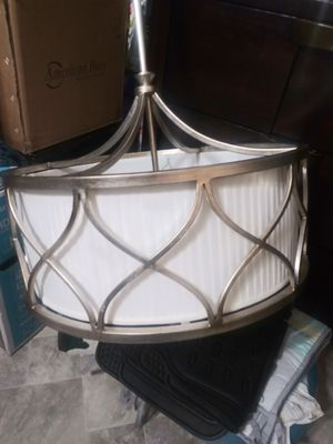 Light fixture/ Chandelier for Sale in Wimauma, FL
