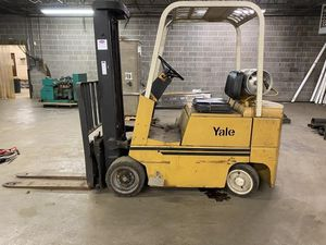 Yale 5k forklift 2800.00 5000hours for Sale in Lombard, IL