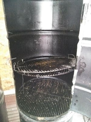 Upright Bbq grill for Sale in Beaumont, TX