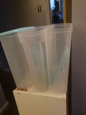 Kitchen storage containers for Sale in Detroit, MI