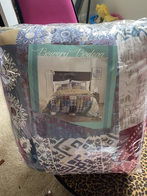 Bowery Bodega Quilt Set for Sale in Columbia, MO