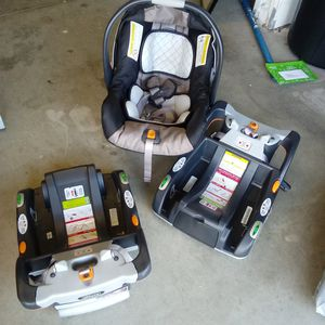 Infant Graco car seat with two car base for Sale in Corona, CA