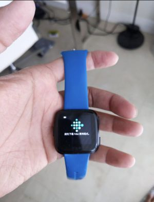 Fitbit Versa Fitness Tracker, Heart Rate monitor with charger for Sale in Miami, FL