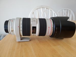 Canon 70-200mm is 2.8 for Sale in Los Angeles, CA
