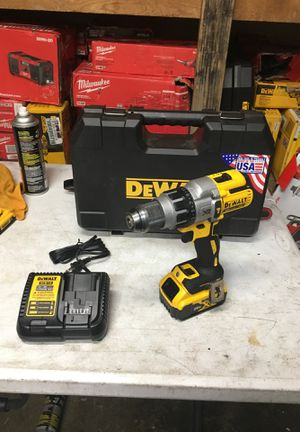 Dewalt hammer drill xr with battery 4.0 and charge for Sale in Fontana, CA