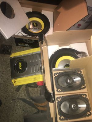 """Complete set of two 10"""" subs with speakers tweeters and Amplifier for Sale in Clovis, CA"""